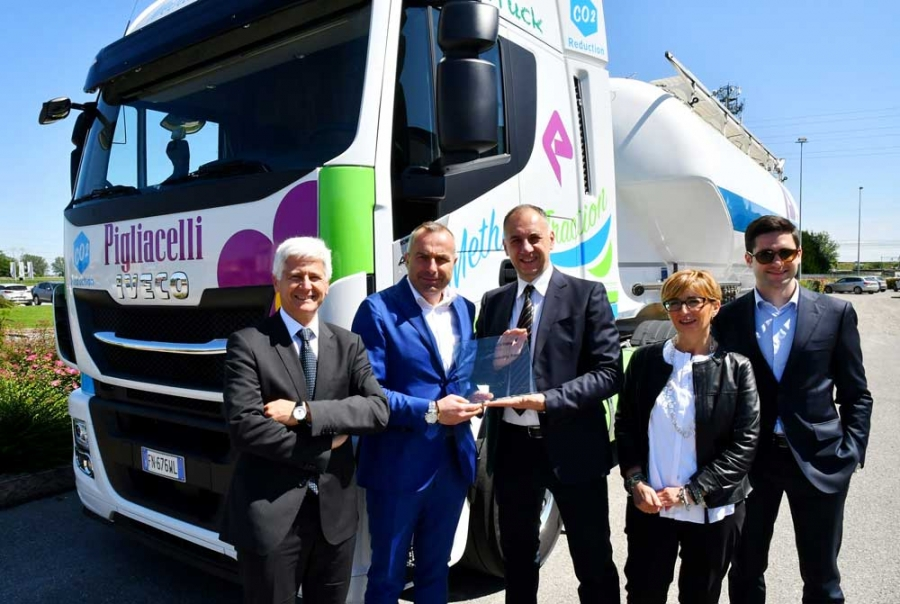 SUPPLIER SUSTAINABILITY AWARDS: Solvay Group premia l'Autotrasporti Pigliacelli.